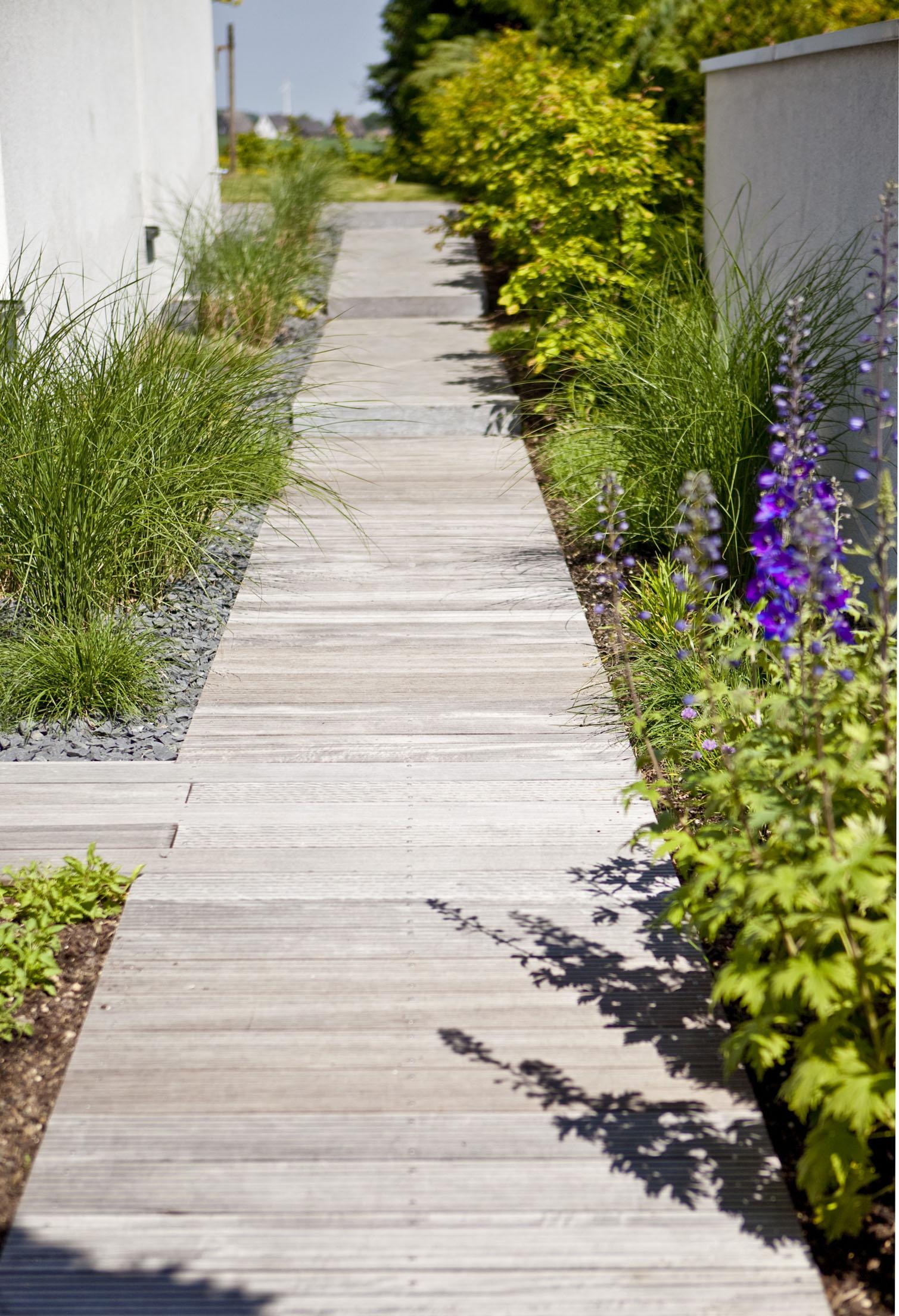 Referenzen gr n landschaftsarchitektur d sseldorf for Minimalistischer vorgarten