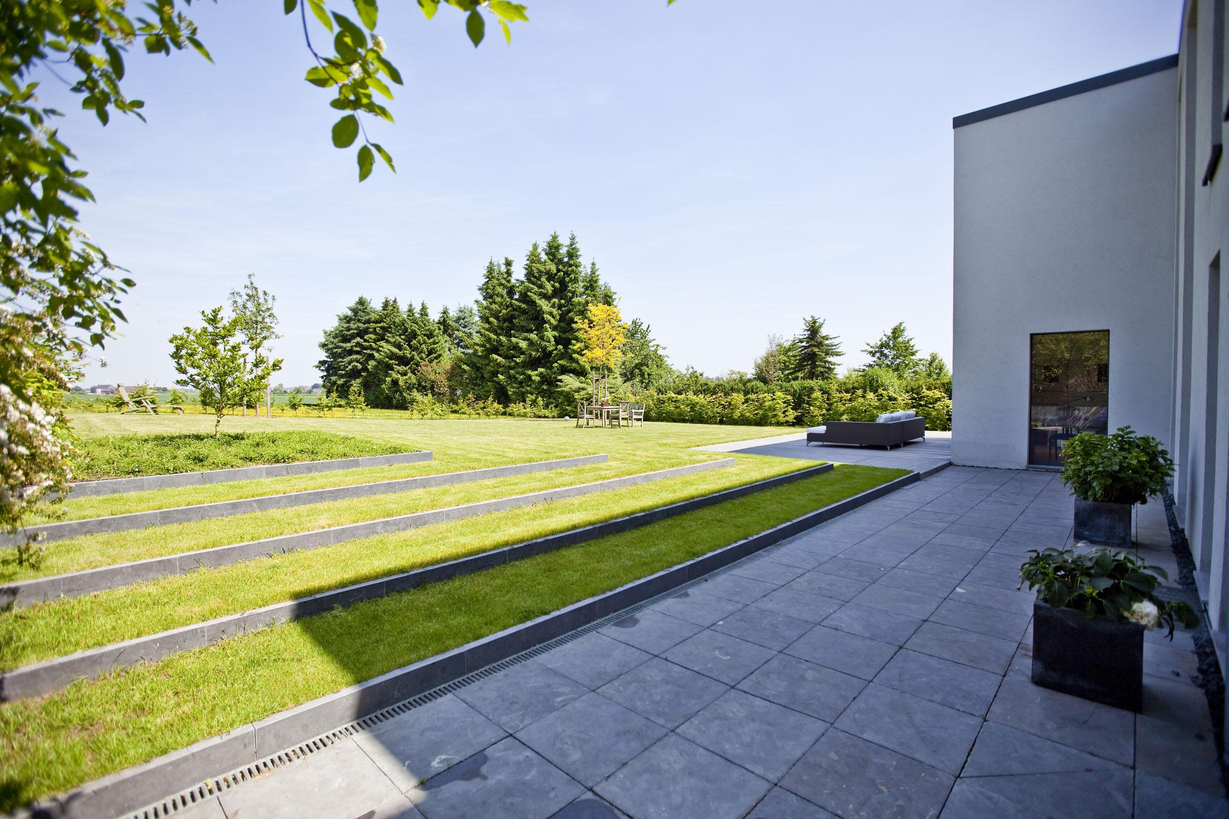 Privat gr n landschaftsarchitektur d sseldorf for Minimalistischer vorgarten